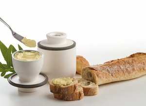 Keeps butter safe, clean, fresh and soft so you can easily spread it on your food.